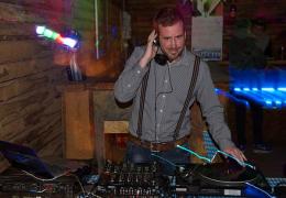 Hochzeits-DJ Dawn für Ihre Hochzeit in Berlin, Potsdam und Brandenburg