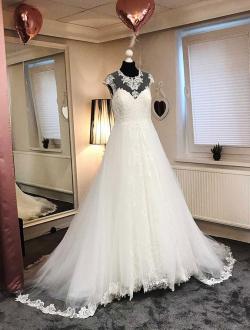 1-Herzenwuensche-Brautmoden