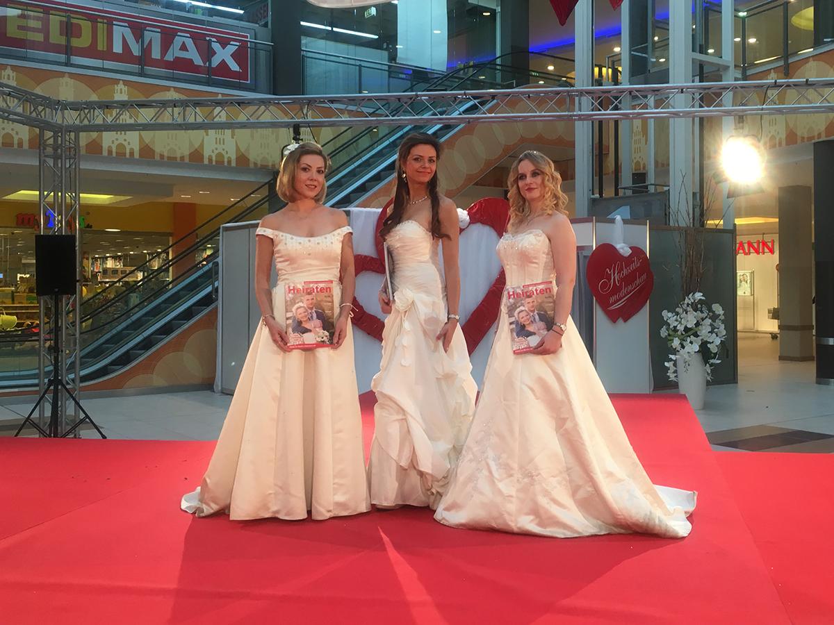 Brautmodenschau zur Hochzeitsmesse im A10 Center Wildau