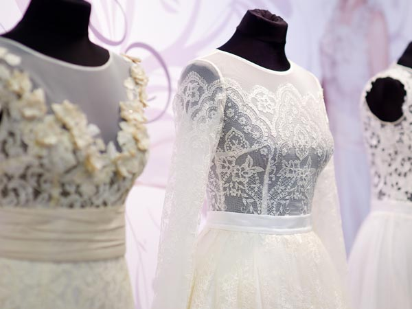 Materialien für das Brautkleid finden